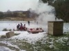 Bruslení a uzení ryb na dolnim rybníku