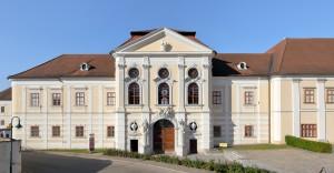 Geras_-_Stift,_Neugebäude_(2)