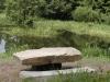 kamenný stůl u dolního rybníka