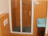 Velký apartmán-oranžový pokoj-koupelna